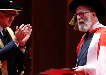 john_kaldor_receives_his_honorary_doctorate_from_unsw_chancellor_david_gonski.jpg