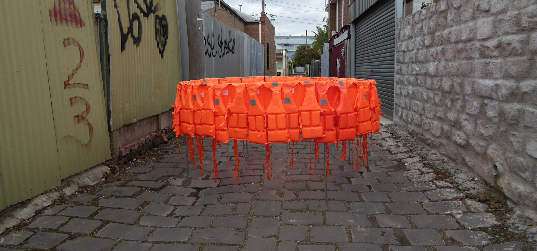 Déplacement (Smuggling Pod), 2017. Life-jackets, Steel, 200cm diameter x 100 cm / Courtesy of the artist.
