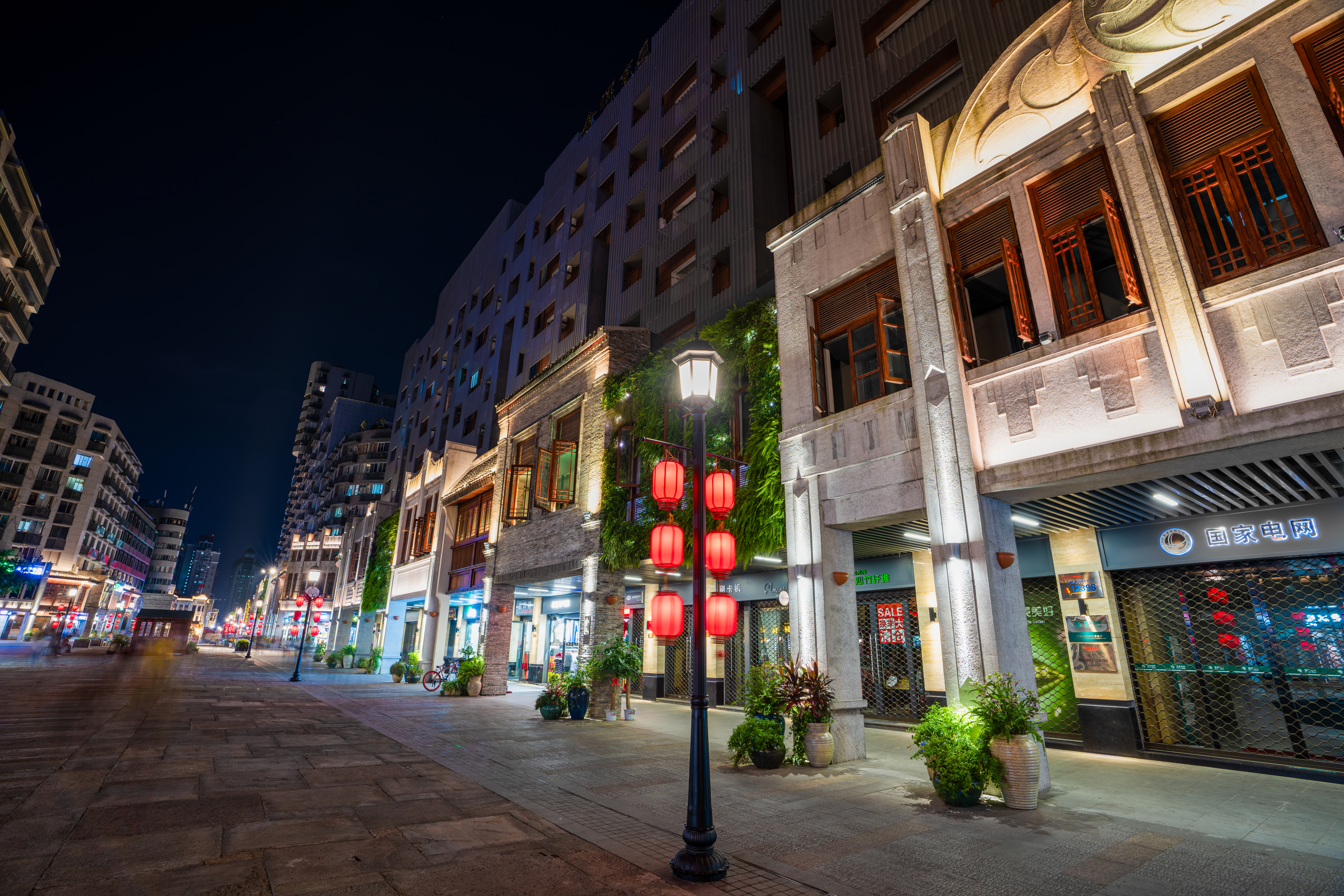 Zen Street after major renovations. Professor Xu says urban public spaces need to play a more important role when planning a city's future.